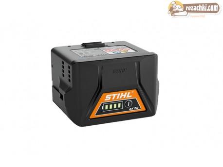 Акумулаторен уред за обдухване Stihl BGA 57 с 2 батерии и зарядно
