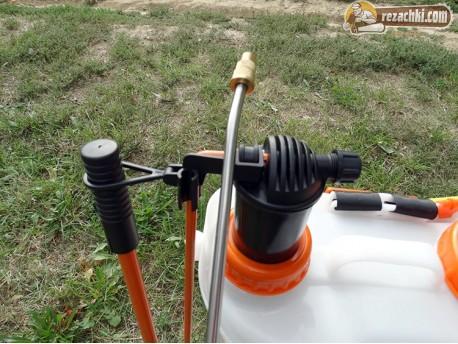Акумулаторна пръскачка RS 2000